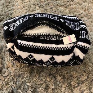 VICTORIA'S SECRET PINK SHERPA BLANKET BLACK& WHITE